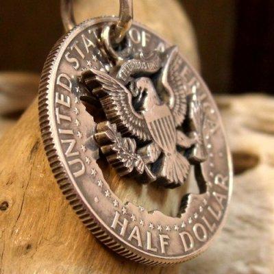 画像1: 本物の50セントコインを使用した ケネディーコイン ペンダント